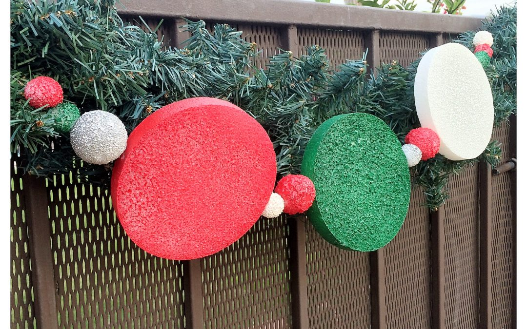 How To Make Easy Diy Outdoor Holiday Garland Dazzle While Frazzled