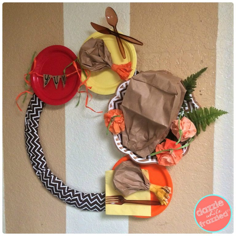 DIY turkey Thanksgiving wreath from a brown paper bag | DazzleWhileFrazzled.com