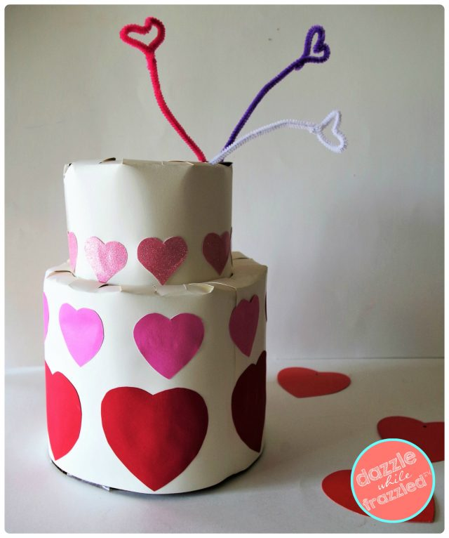 Cute heart covered kids wedding cake Valentine's Day card box holder for school Valentine's Day card exchange.